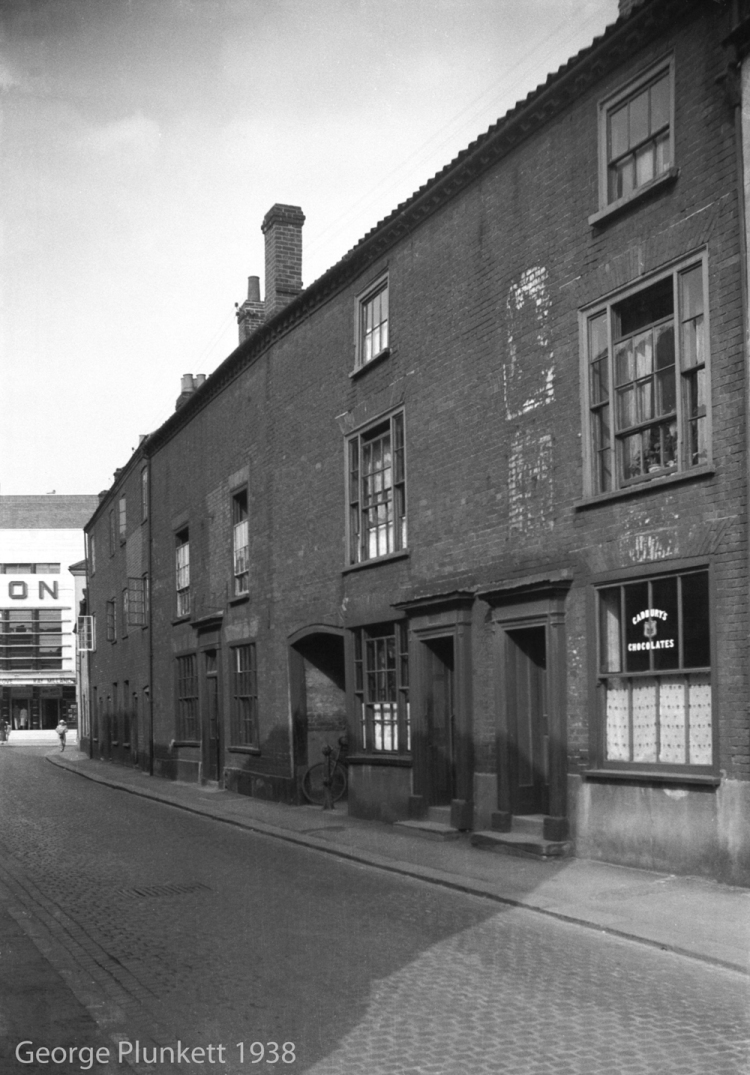 St George St 119 to 123 Crown and Anchor PH [2759] 1938-08-27