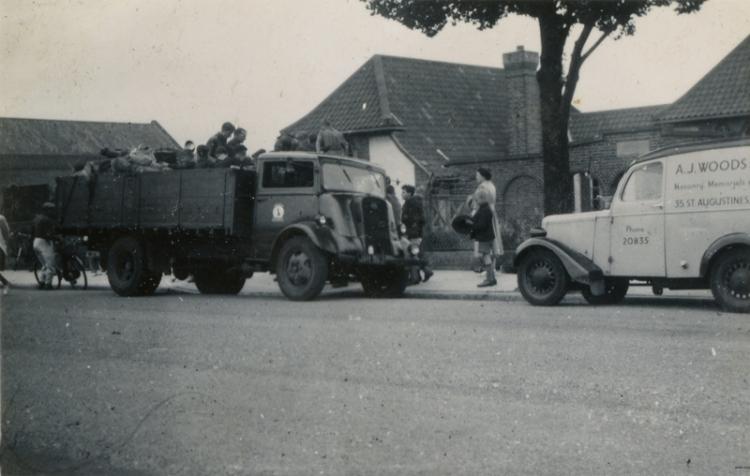 Off to Runton Mile X 1949a