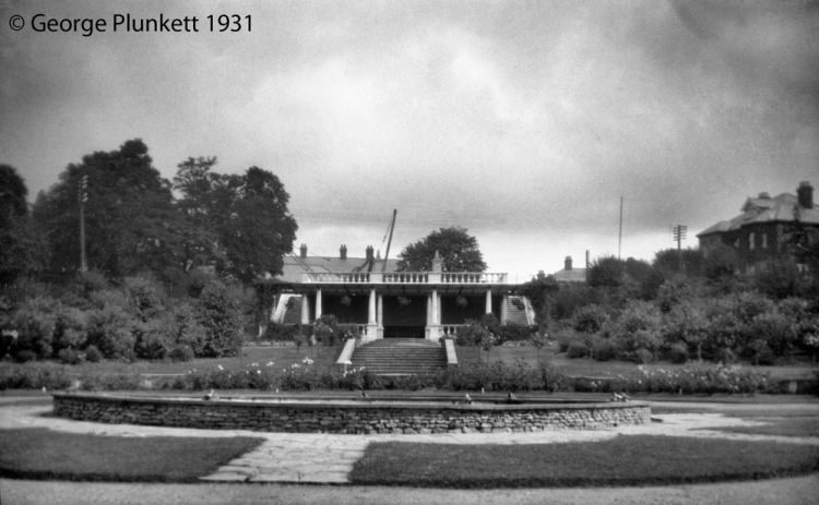 Wensum Park fountain and shelter [B155] 1931-00-00